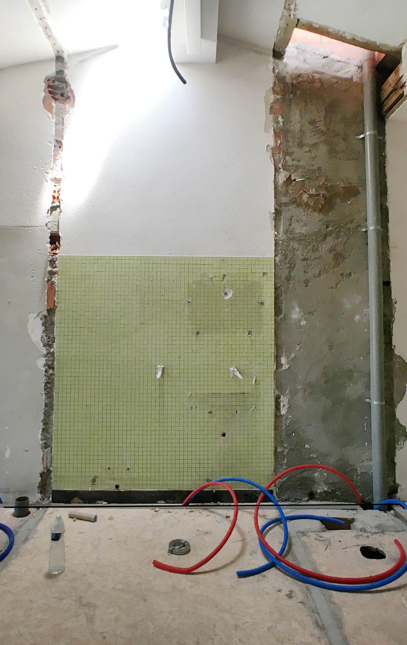 ancienne salle de bain démolie