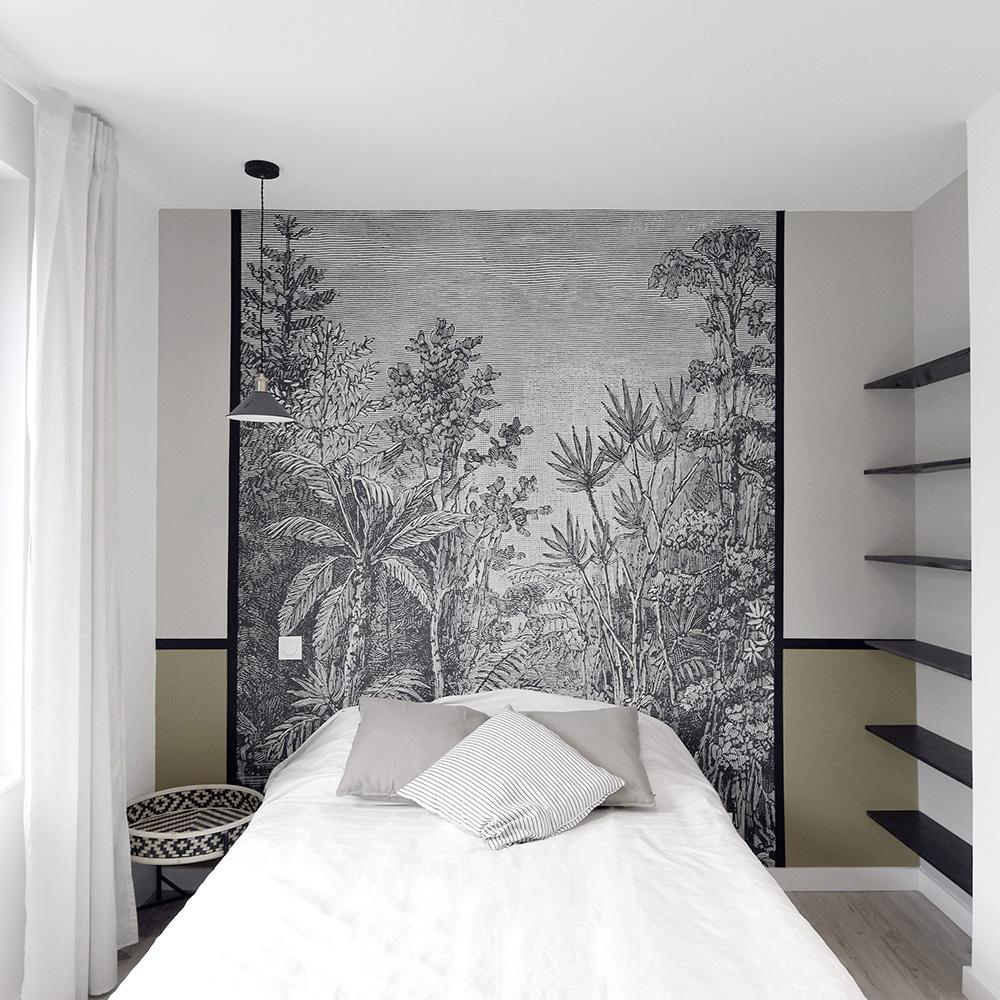 jolie chambre moutarde avec papier peint décorer par un décorateur d'interieur