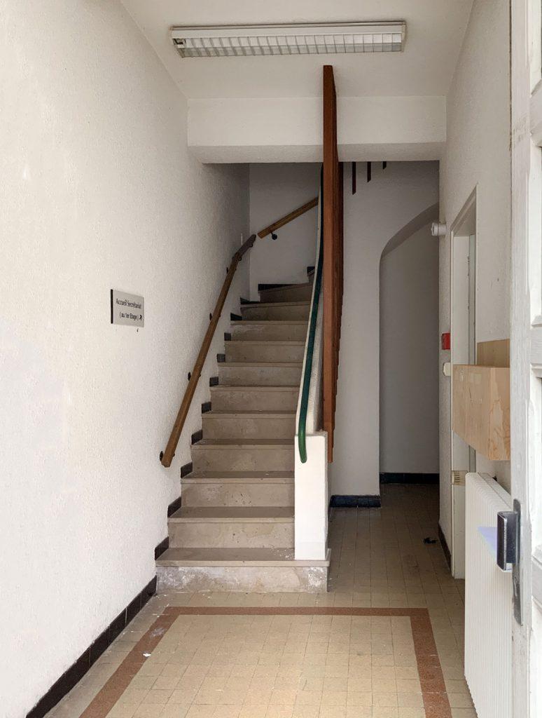 entrée avant renovation