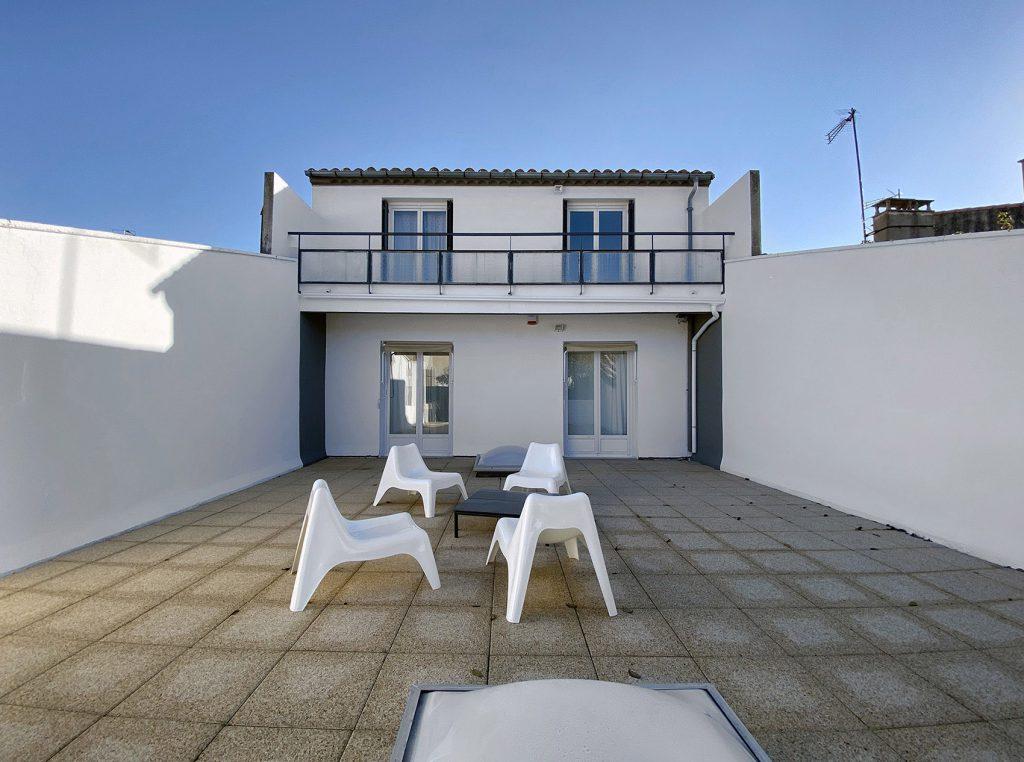 terrasse après renovation et peinture uniqalo